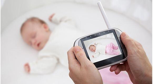 baby monitor za nadziranje bebe
