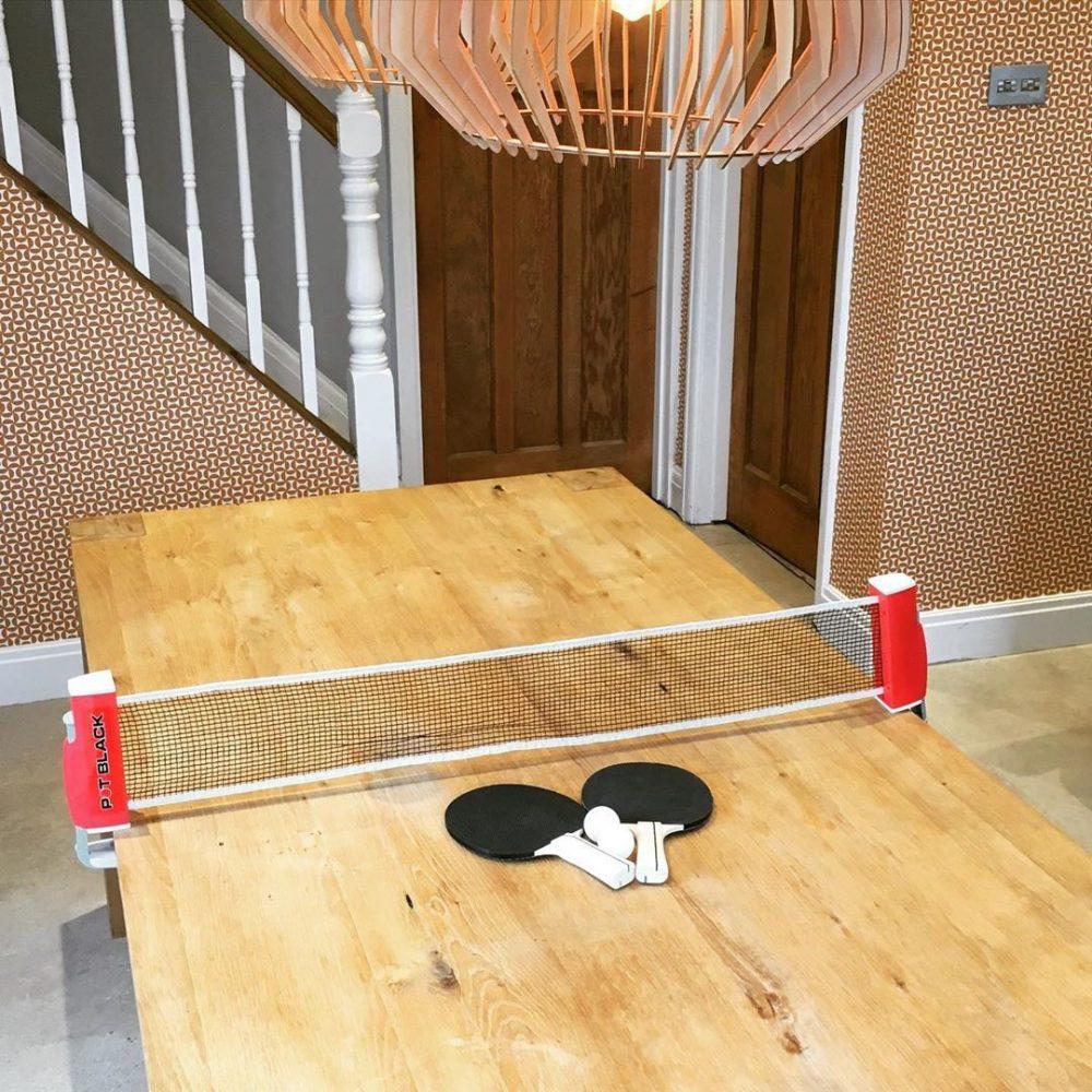 stol i reketi za ping pong